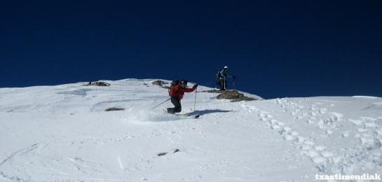 Inicio del descenso desde la cima: a los mandos de la herramienta Xabi...