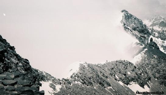 Ültimos metros antes de alcanzar la cima en la Arista del Huanaco