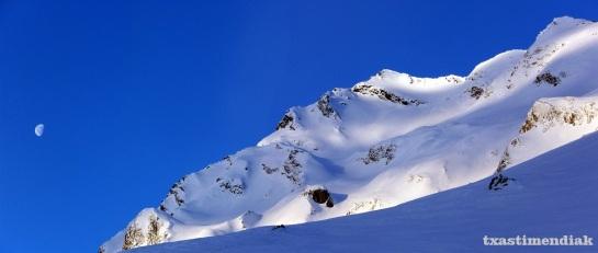 Ahora con la nieve tan profunda todo se ve más lejos...