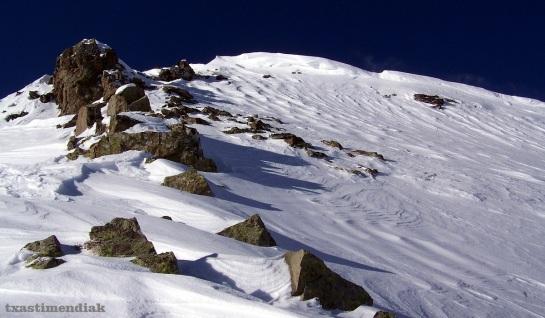 Unos pocos metros para la cumbre este del Pic Monné