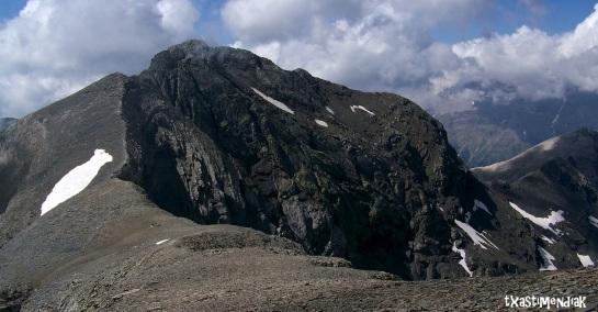 Camino a la última de las cimas: La Munia