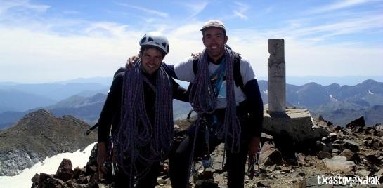 Contentos en la cima del Pique Longue (3.298 m)