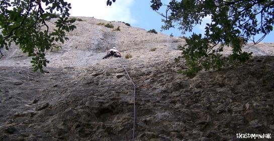Largo 1º, V+, 25 m