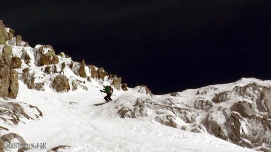 La nieve está muy buena y así se hace más fácil...