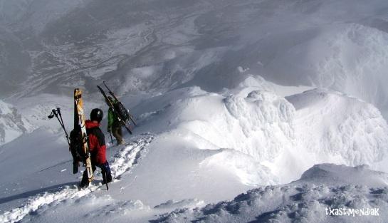 Poco antes de calzarnos los esquís...