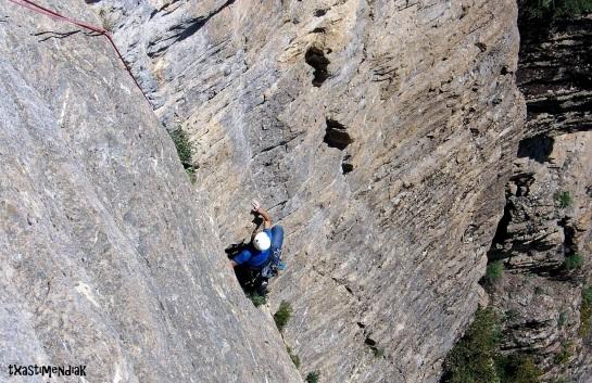 Un gran día de escalada en el valle de Tena,...