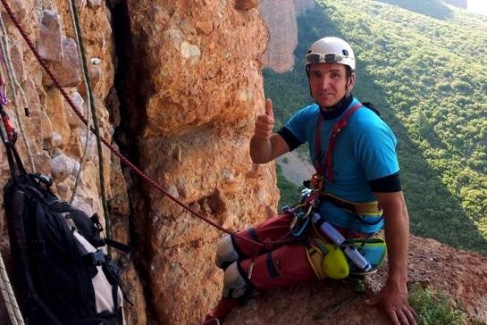 Foto colección de Yosu Vázquez. Edorta De Anta durante su escalada a la Visera...