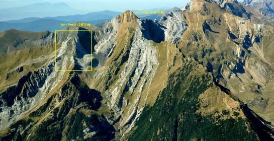 Panorámica del barranco del Turbón con el Otal al fondo (fuente web)