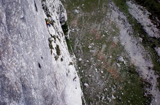La trave del L4, 40 m, 6c (6b/A0)