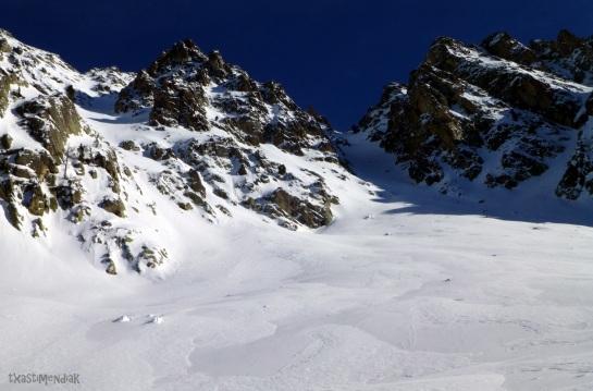 La vertiente oeste del Pic Allemand con su marcado corredor oeste...