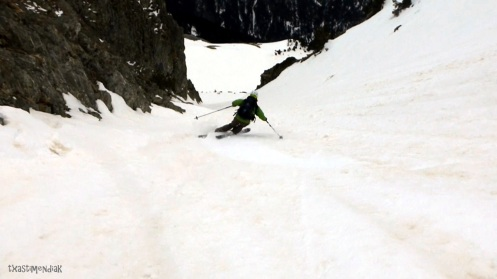 Corta canal para alcanzar la cota 2.000 m