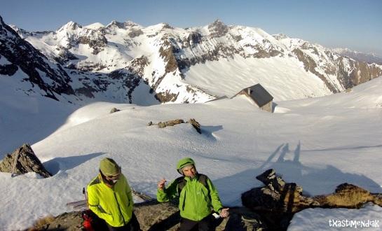 Dulce espera al sol enn el Ref. Estagnous (2.245 m)
