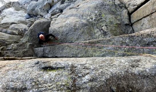 En las siguientes tiradas la roca mejora y empezamos a disfrutar, todavía en sombra...