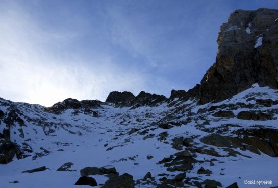 Larga ascensión junto a la Tuca y Tuqueta Blanca de Paderna siempre a nuestra derecha