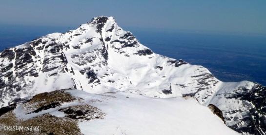 ...con vistas a la vertiente sur del Montaigú