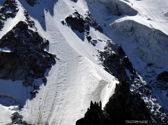 La arista de nieve característica