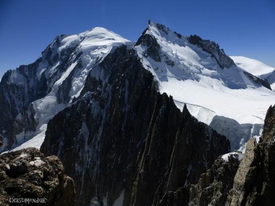 Vistas hacia Maudit y Mont Blanc...