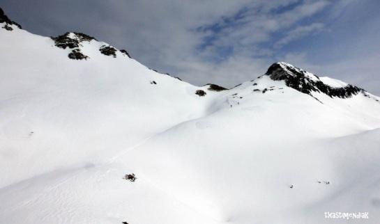 Al fondo el collado que nos dará paso a la vertiente noreste de retorno a Juan Pito...